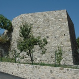 Castle of Pugliano, walls